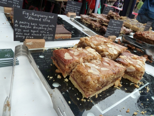 Feel-Good fig, raspberry and almond slice