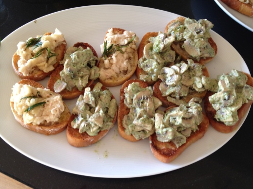 Crostini with pesto and ricotta mushrooms